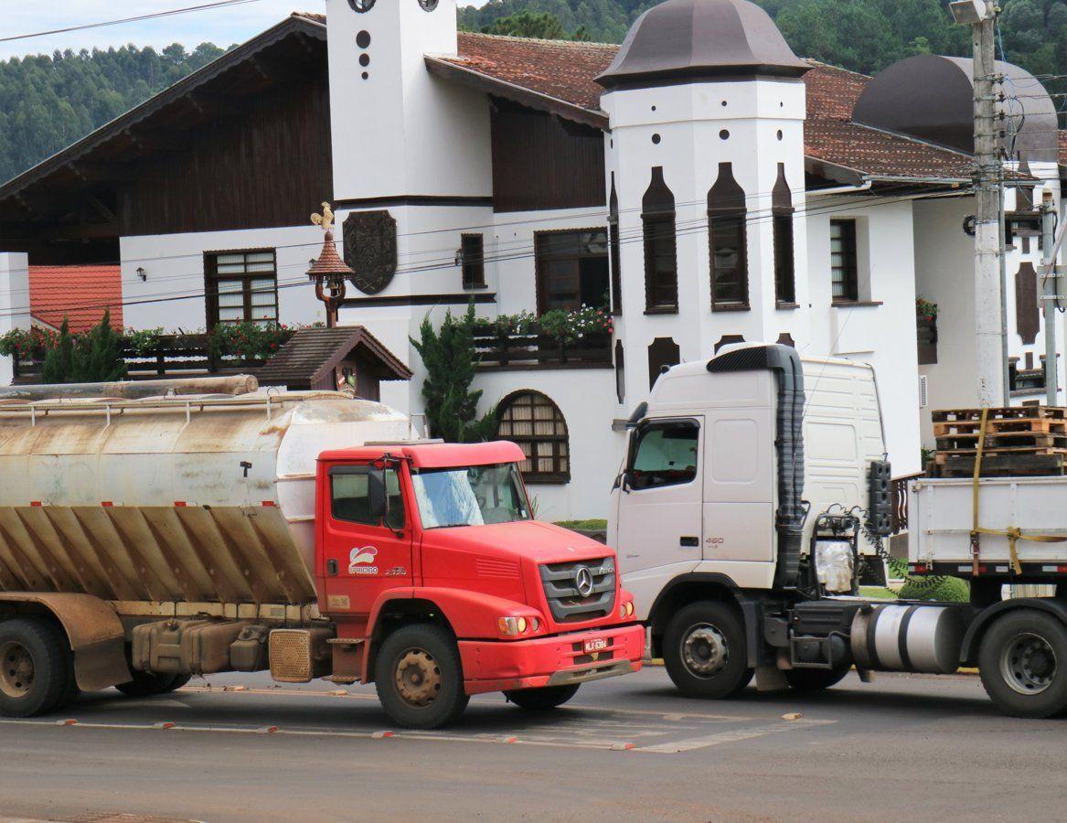 03 Old Truck.jpg