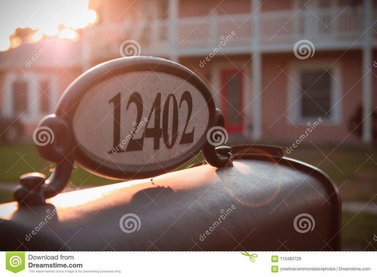 12402-mailbox-sunrise-115483729.jpg