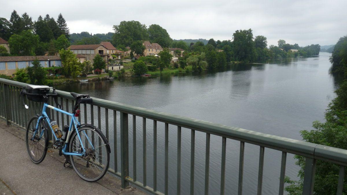 154 Back across the Dordogne.JPG