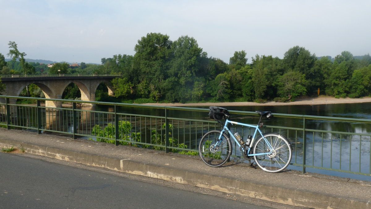 167 Dordogne bridge from the Vezere bridge.JPG