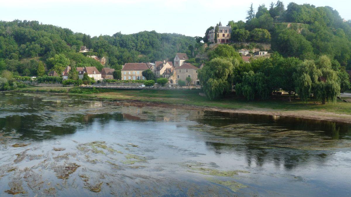 168 Limeuil from the Dordogne bridge.JPG