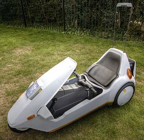 280px-Sinclair_C5_with_high_vis_mast.jpg