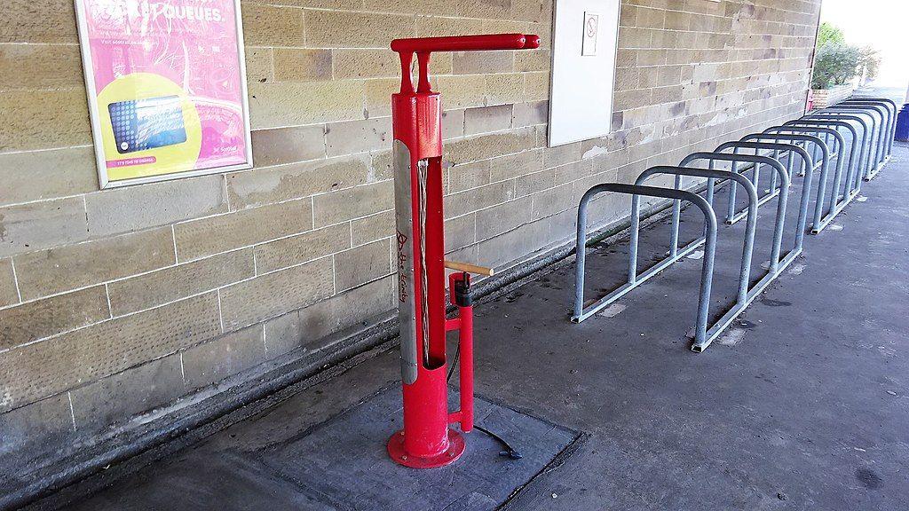 ance_point%2C_Kilwinning_Station%2C_North_Ayrshire.jpg