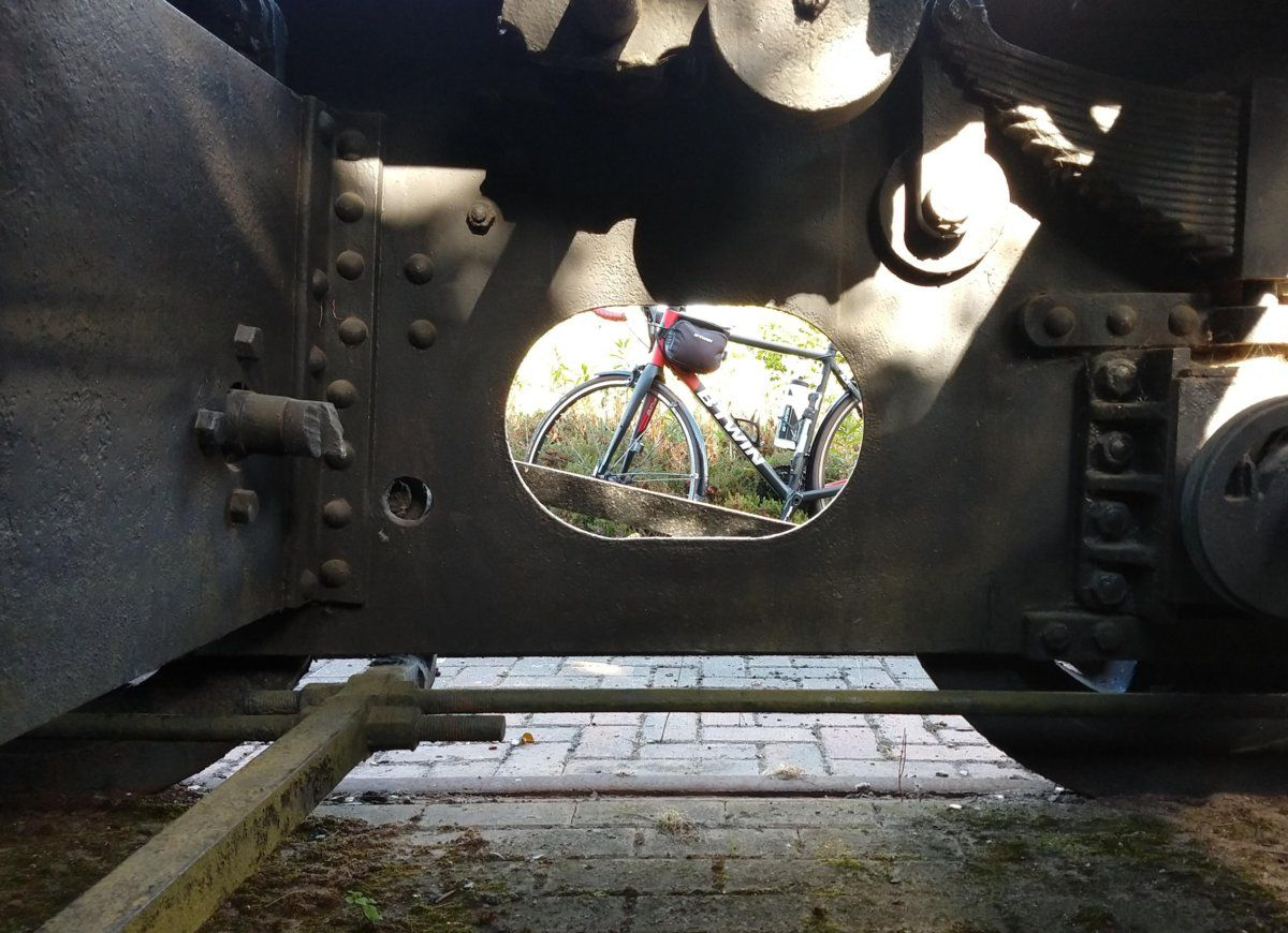 bike-through-loco-jpg.jpg