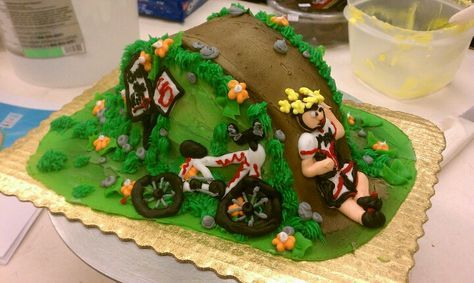 de21edc3d769bc60fc55fc0f71bee8ac--bicycle-cake-over-the-hill.jpg
