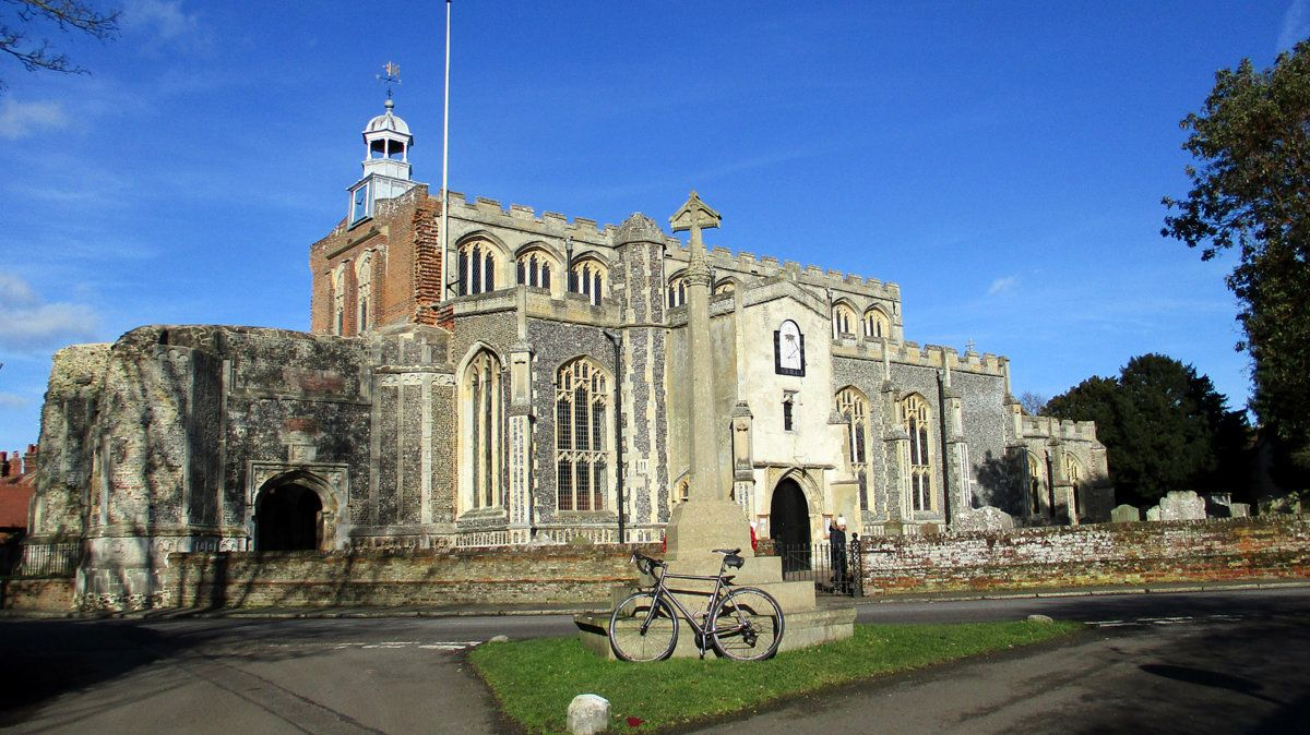 East Bergholt Church (1).JPG
