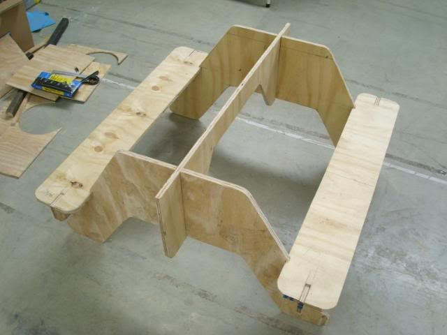 How to make a flat pack plywood picnic table. | CycleChat ...