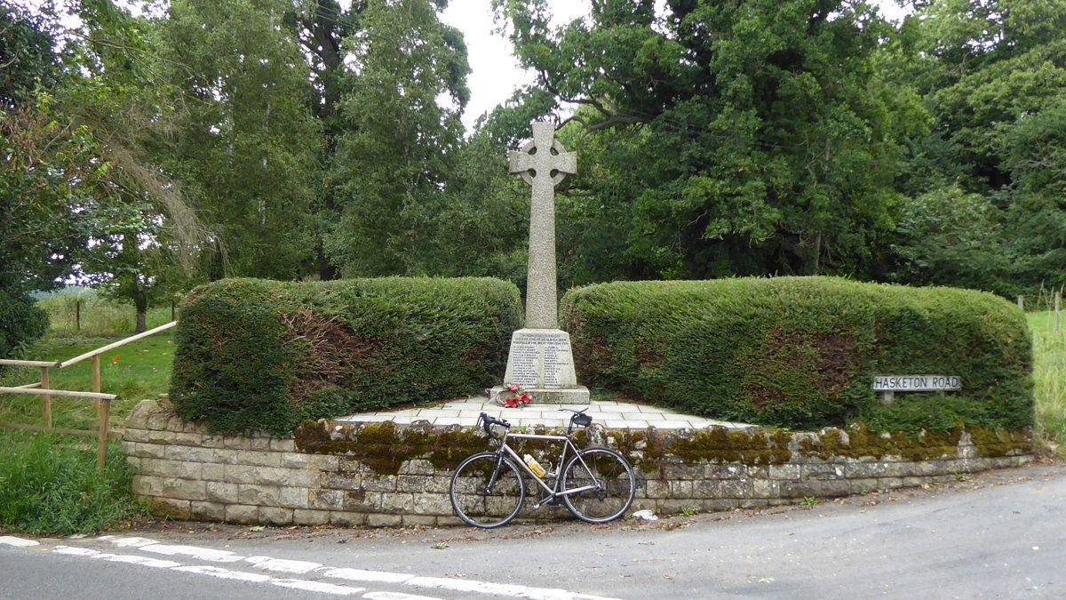 Great Bealings memorial.JPG