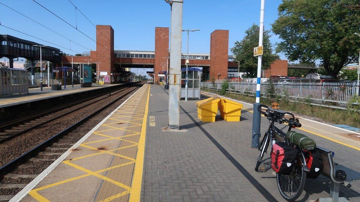 Large-Stevenage-Station.jpg