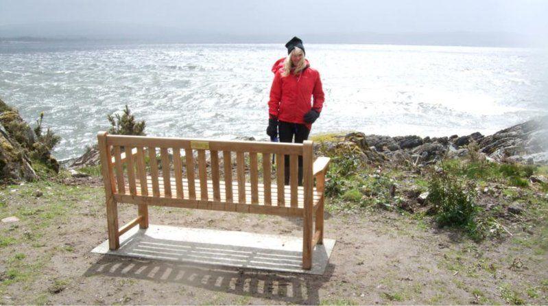 memorial-seat.jpg