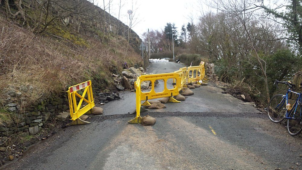 Midgley Road Boxing Day 2015 flood damage closure.jpg