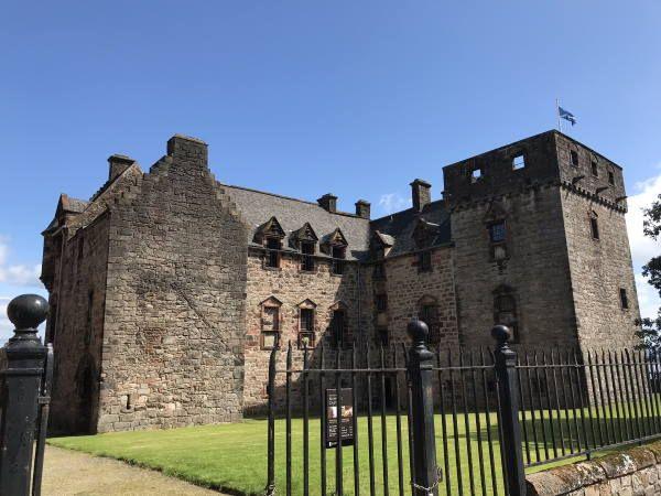 newark castle.jpg