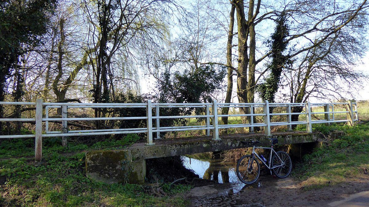 River Tas ford - Cargate Common (2).JPG