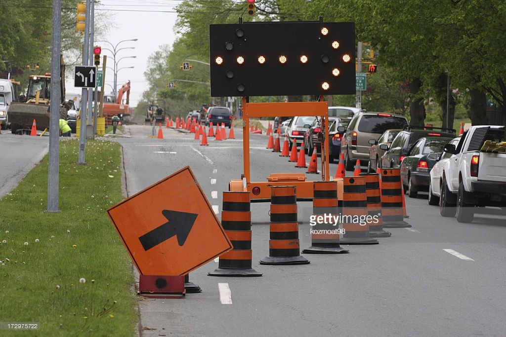road-construction-keep-right-picture-id172975722.jpg