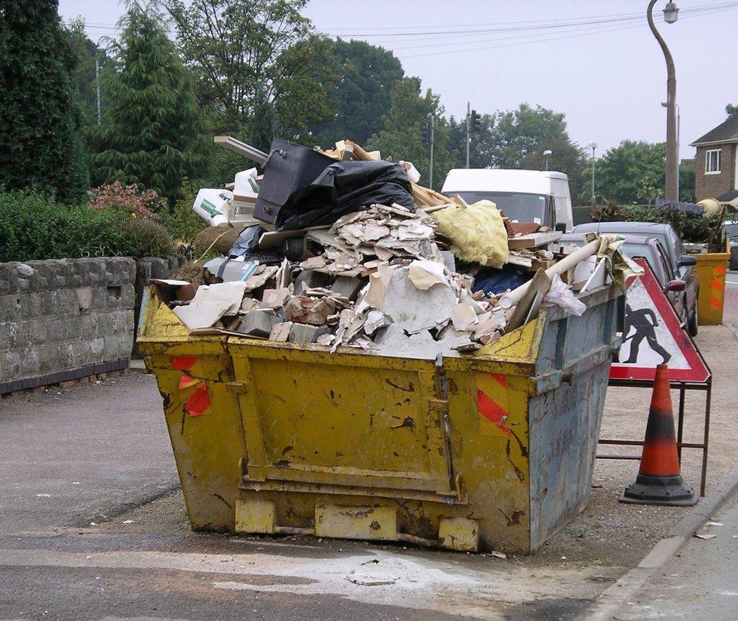 Skip_containing_rubbish_16s06.jpg