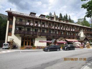 th-20170627-italy-france-trip-05-18-telegraphe-galibier-hotel-castillan.jpg