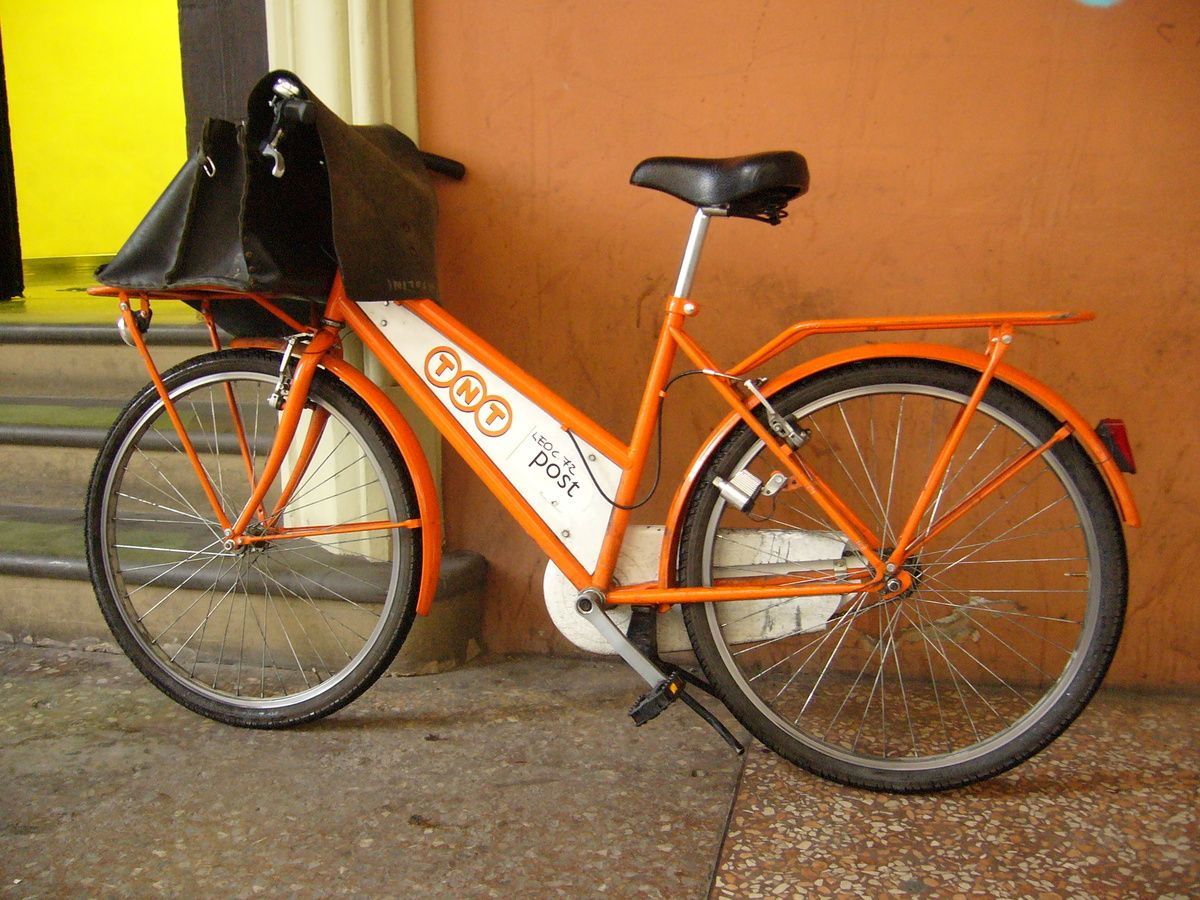 TNT_messenger_bicycle.jpg