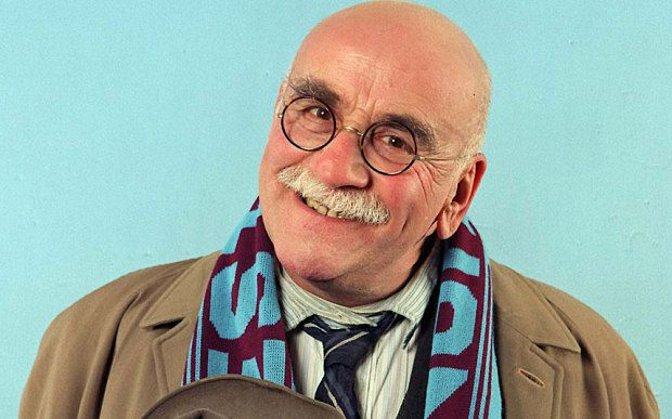 Warren-Mitchell_3500789b.jpg