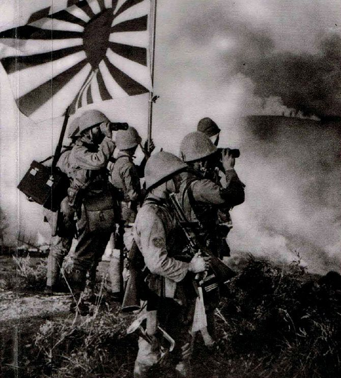 WWII-Japanese-Soldiers-and-Rising-Sun-Flag.jpg