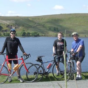 widdop_reservoir_three_cyclists_wide.jpg