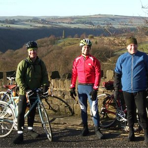 cyclists at pecket well.jpg