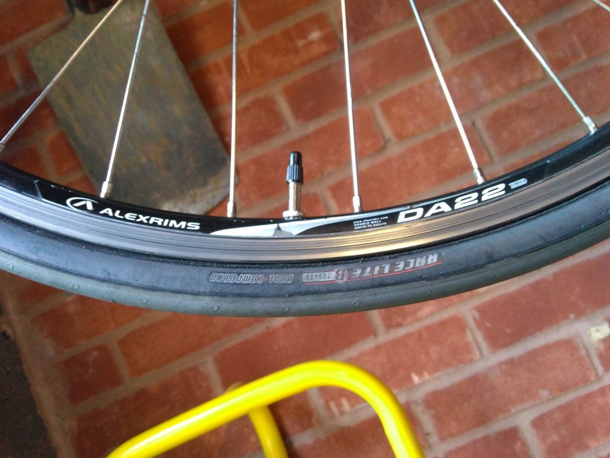 B'Twin Triban 520 flat bar road/ hybrid bike (Large) | CycleChat